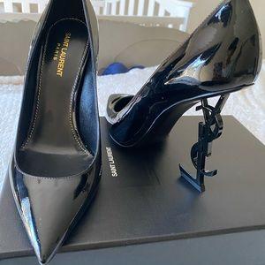 Vernice Chiffon Saint Laurent size 40